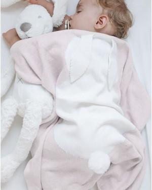 שמיכה סרוגה עם דוגמת ארנב - מבית מיננה ברשת בזאר שטראוס